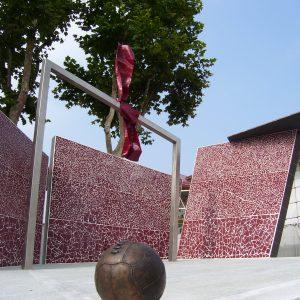 Monumento al Grande Torino (Particolare pallone in bronzo)